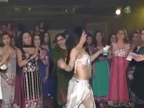 Alia Chauhan - Famous Pak Mujra Dancer In Dubai. video