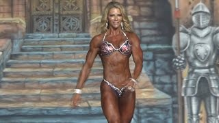 ⭐️IFBB Figure Pro Laura Donegan on stage