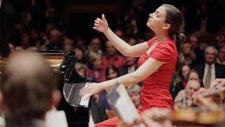 Download Lagu Frédéric Chopin: Piano Concerto No. 1 e-minor (Olga Scheps live) Gratis STAFABAND