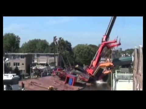 Video news today - Two cranes in the Netherlands have collapsed