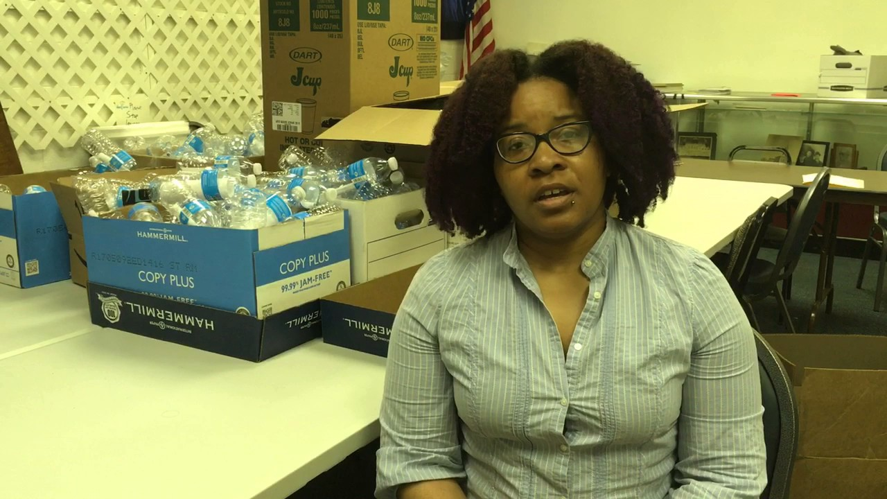 Flint residents deliver more than 1,000 handwritten letters telling Gov. Rick Snyder what he owes...