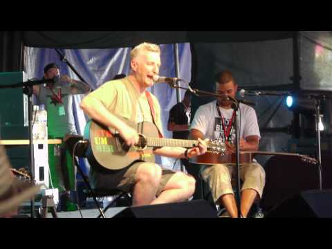 Billy Bragg - I Keep Faith - Glastonbury Leftfield Tent 25/06/2010