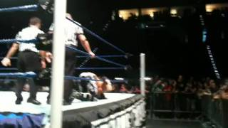 WWE Smackdown Torino 09.06.2011 - Trent Barreta after Khali Finisher + Mark Henry Entry
