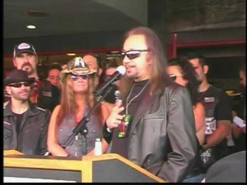 ACE FREHLEY - Dimebag Darrell Rock Walk Induction 5/17/07