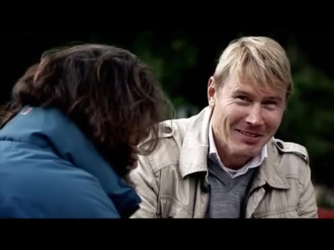 Mika Hakkinen Teaches Captain Slow to Drive - Top Gear - BBC