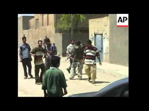 Al-Mahdi Army insurgents operatig in streets