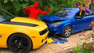 Mr. Joe on Chevy Camaro VS Red Man on Opel Vectra OPC in Funny Race w/ Pool for Kids