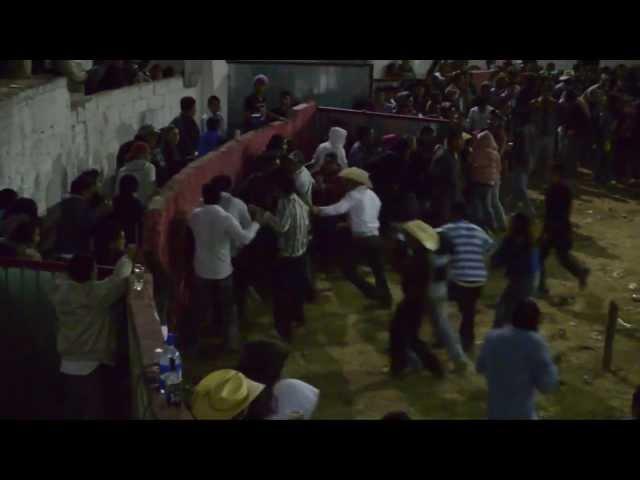 PELEA  EN EL JARIPEO DE SAN PEDRO ARRIBA 2011