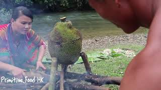Survival skills: Catch fish at the river and cooking fish with jackfruit - Eating delicious