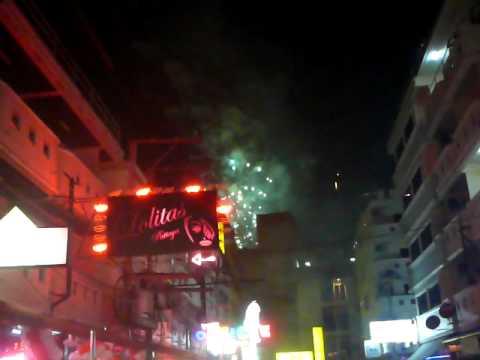 New Year 2012. Soi Lk Metro. 3Som Bar Guesthouse