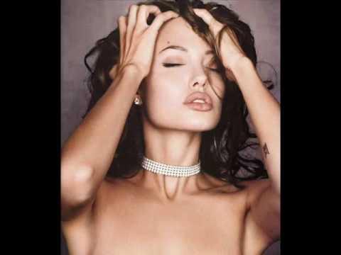 Scarlett Johansson Vs Angelina Jolie