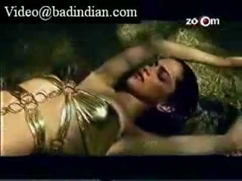 Deepika Padukone's Hot Bikini Photo Shoot video