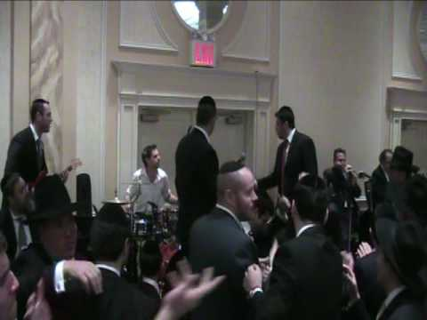 Dovid Gabay Sings Hentalach and MBD's Omar R' Akiva