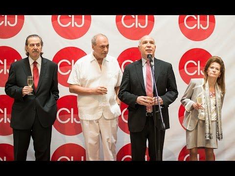 La Corte Suprema de Justicia entregó una medalla a Raúl Zaffaroni
