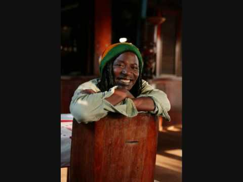 ALPHA BLONDY - HYPOCRITES