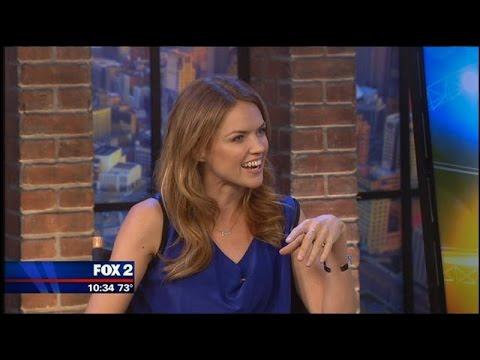 Erin Richards excited to 'snog' Benjamin McKenzie on 'Gotham'