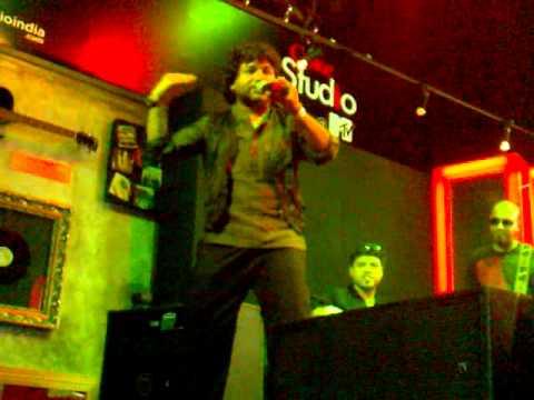 Kailash khers Teri dewani Live  Coke Studio Minicert in HRC...
