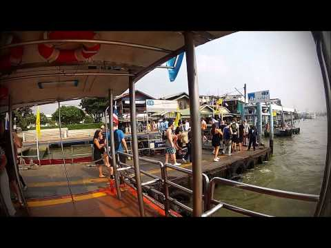 This is how you do it in Bangkok – river speed boat service