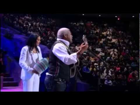 Lakewood Church Worship - Falling in Love with Jesus feat. Jonathan Butler and Sheila E