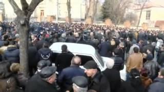 Erevanum hazaravor arevtrakanner pakel en Baghramyan poghoce