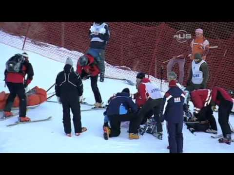 Lindsey Vonn crash Lindsey Vonn Skiing Accident Crash 2013 | Skier Hospitalized Super-G crash