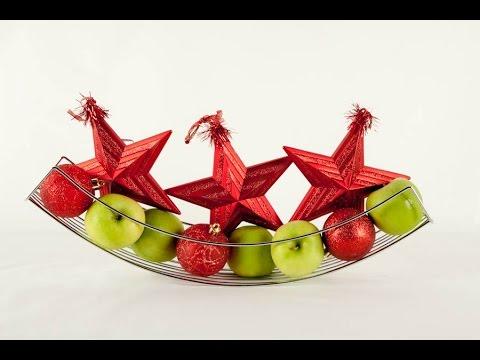 Tip decoraci n de mesa con adornos navide os youtube for Arreglos navidenos para mesa