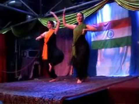 Vande Mataram Indian Dance In Poland - By Alicja & Aleksandra video
