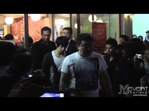 [Fancam] 110331 YC&JS@Restuarant in Siam Square