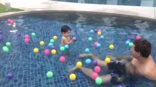 Playground water kids pool fun ball with Dad