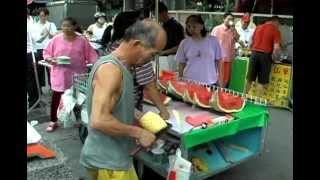 peeling a pineapple video, funny videos, best performer videos, Fruit seller