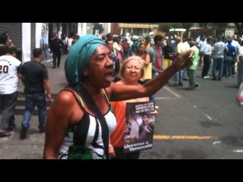 Sociedad civil acude al Palacio de Justicia para apoyar a Leopoldo López