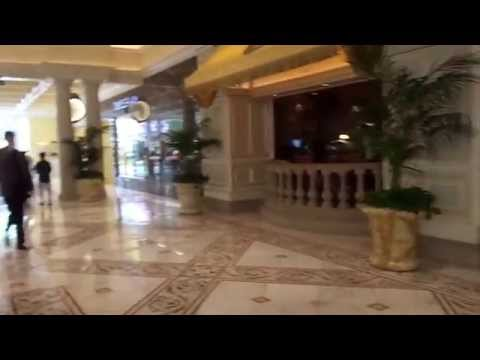 Walk around  and Inside Bellagio Hotel Las Vegas Strip,Shopping, Gardens, Bars, Restaurants