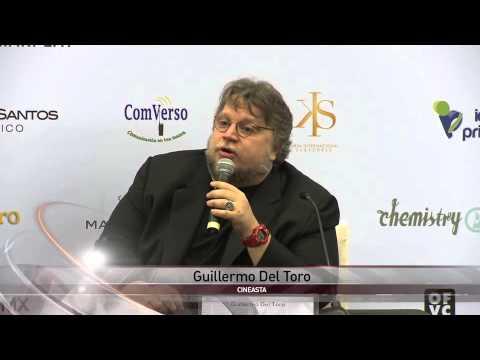 Inseguridad y corrupción indignan a Guillermo del Toro