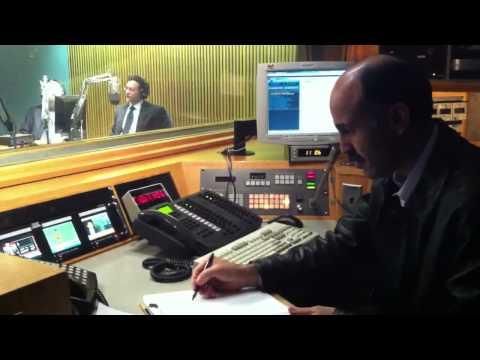 Pak ex ambassador to Saudi Arabia visits VOA Deewa Radio