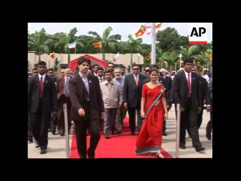Ahmedinejad ends SLanka visit, arrives in India