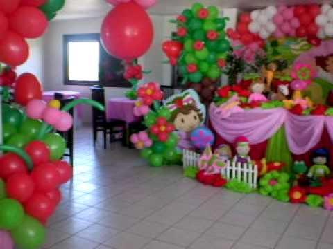 Decoración en globos para fiesta de fresita - Imagui