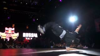 Red Bull BC One Break Dance Moscow 2012 Part 1 - Finals Jamal vs Cheerito