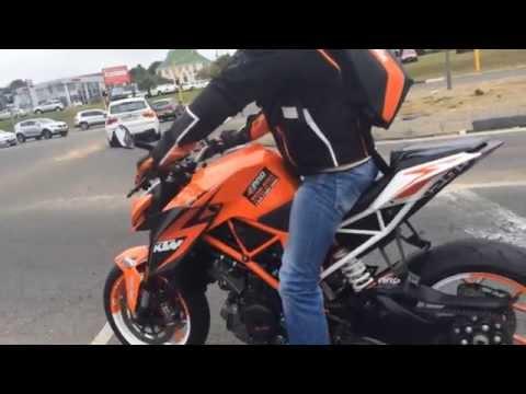 KTM - Duke 1290 Wheelie