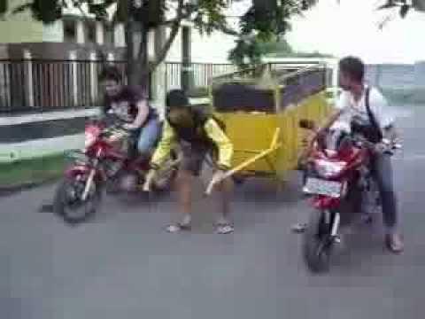 Satria FU 150 vs Ninja 150 R Drag Race