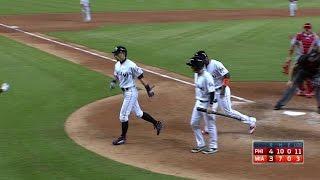 PHI@MIA: Ichiro pinch-hits, belts a two-run homer