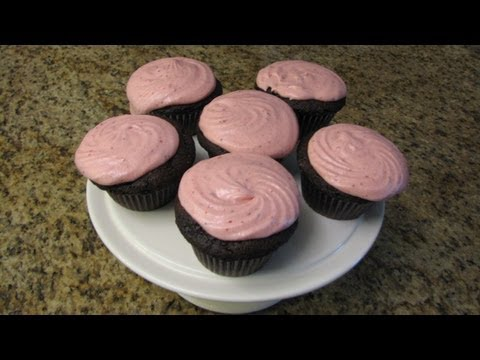 Chocolate Cupcakes With Strawberry Buttercream Frosting - Lynn's Recipes