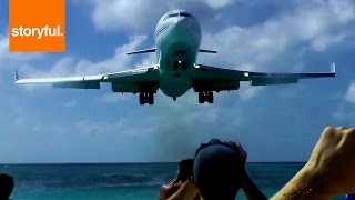 Plane Narrowly Misses Spectators During Landing