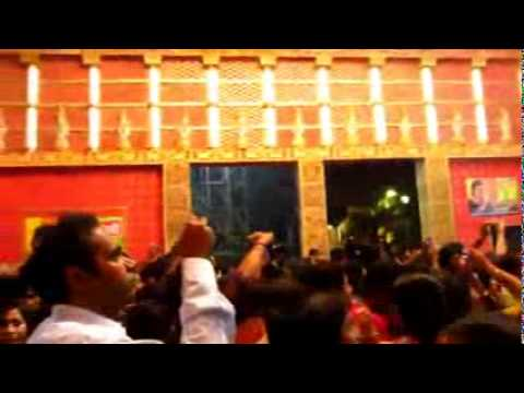 Durga puja new 2014 video in Tarun sangha club kolkata with many public nice scene with theme