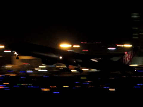 A busy night at LAX! 20min of night plane spotting at LAX Los Angeles International Airport