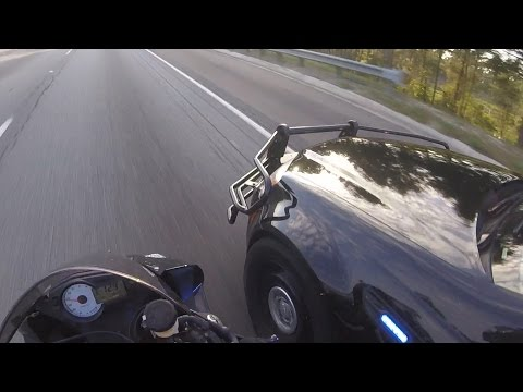 Sport Bike VS Cops Police Car Chase Motorcycle Running From Cop Cars Chases Biker Getaway Video 2016