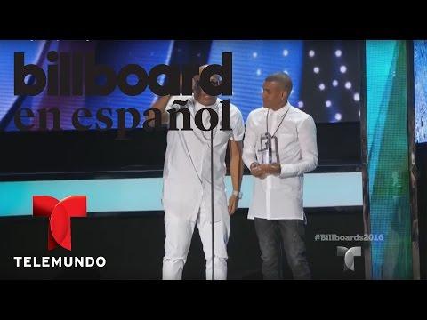 Gente de Zona recibe premio dúo o grupo tropical del año Billboard 2016 videos