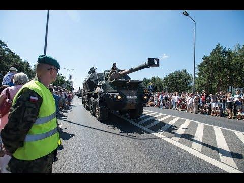 Defilada Z Okazji Święta Wojska Polskiego W Bydgoszczy