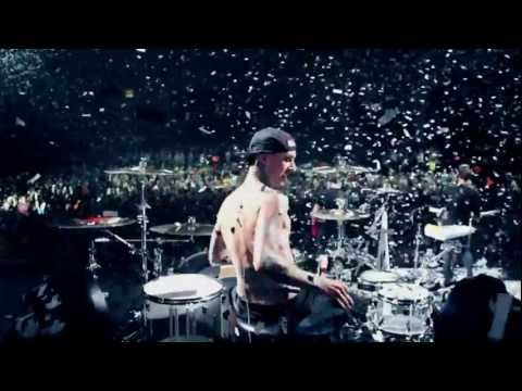 blink-182 - Heart's All Gone (Official Video) HD subtitulado