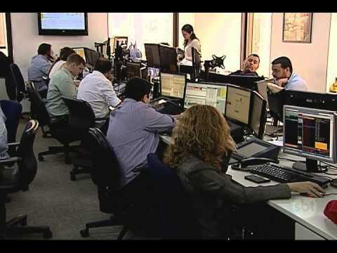 Jornal do SBT (10/09/15) Standard & Poor's rebaixa Brasil e país perde grau de investimento