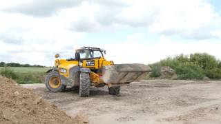 Suffolk Young Farmers - Muck Move 2016